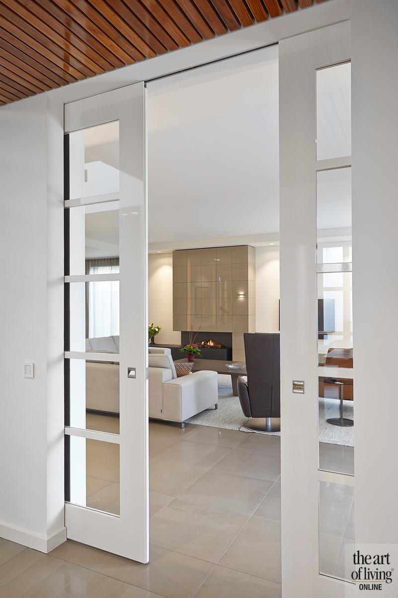 Witte en suite deur, Bod'or Nederland BV, deur met glas, zicht op de woonkamer