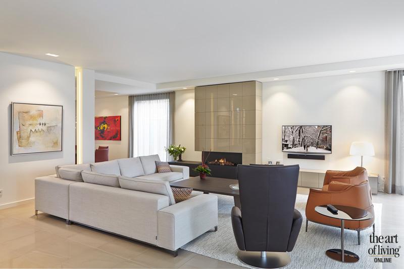 woonkamer met haard van Boley en meubelen van Master Meubel