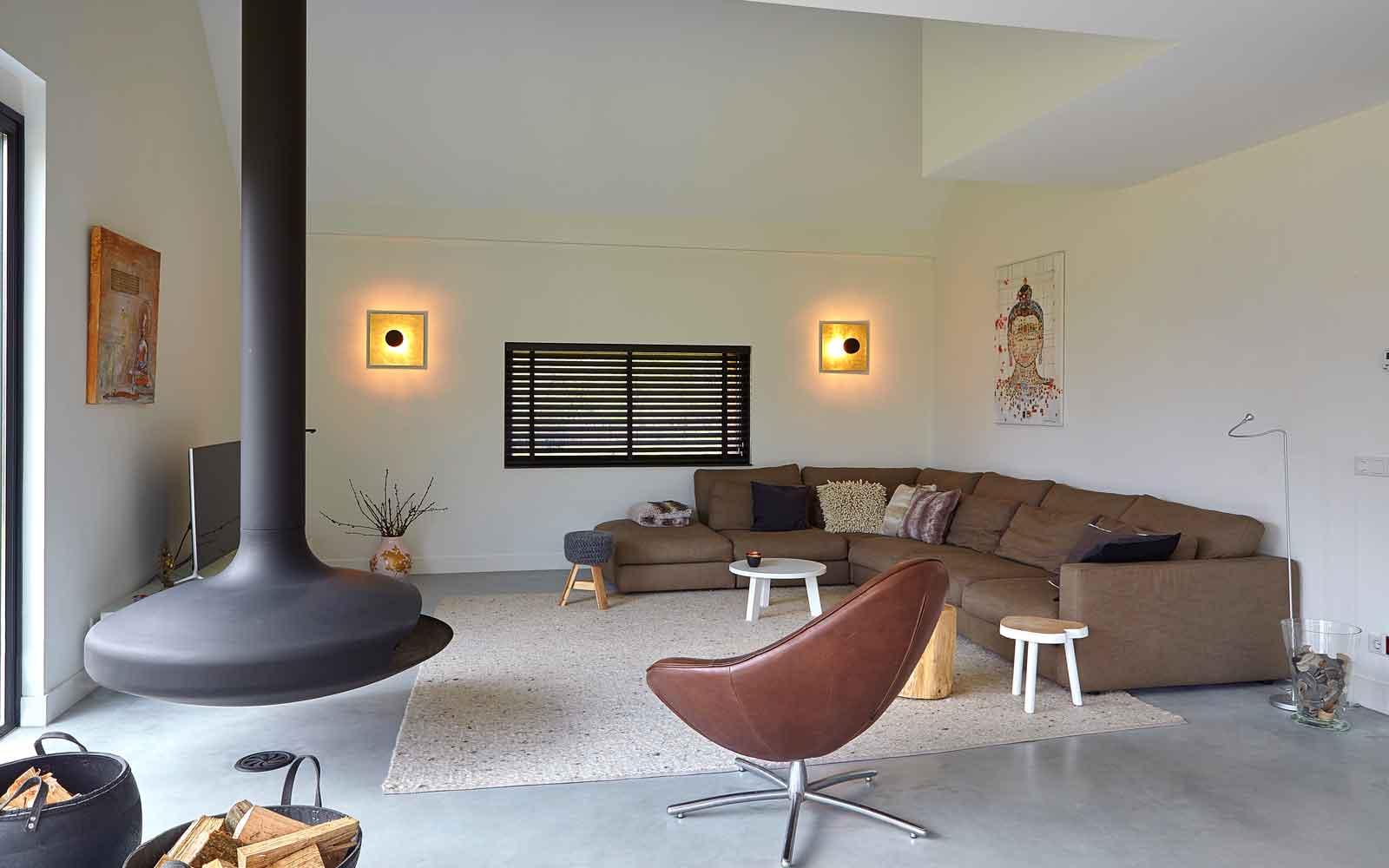 Woonkamer, haard van Boley, meubelen van CILO, Landelijk, modern, Architectenbureau Koppens