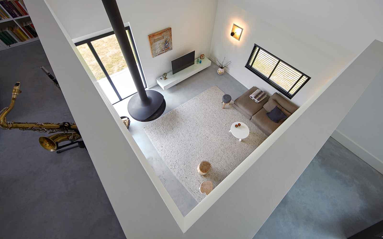 Vide, zicht op de woonkamer, strak en wit, Landelijk, modern, Architectenbureau Koppens