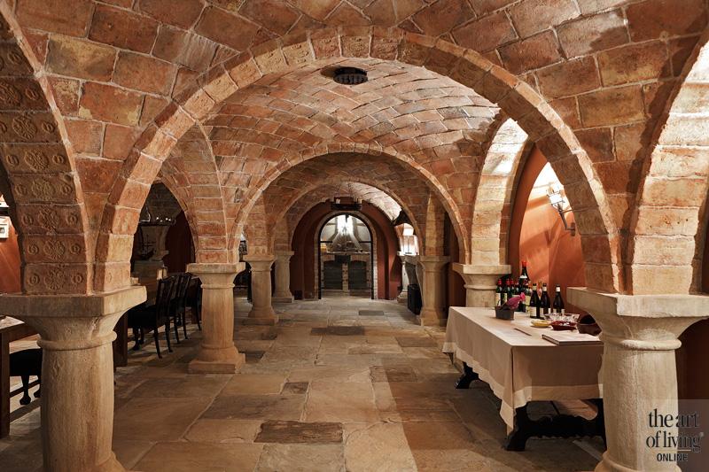 Kelder, middeleeuwse catacombe, mysterieuze sfeer