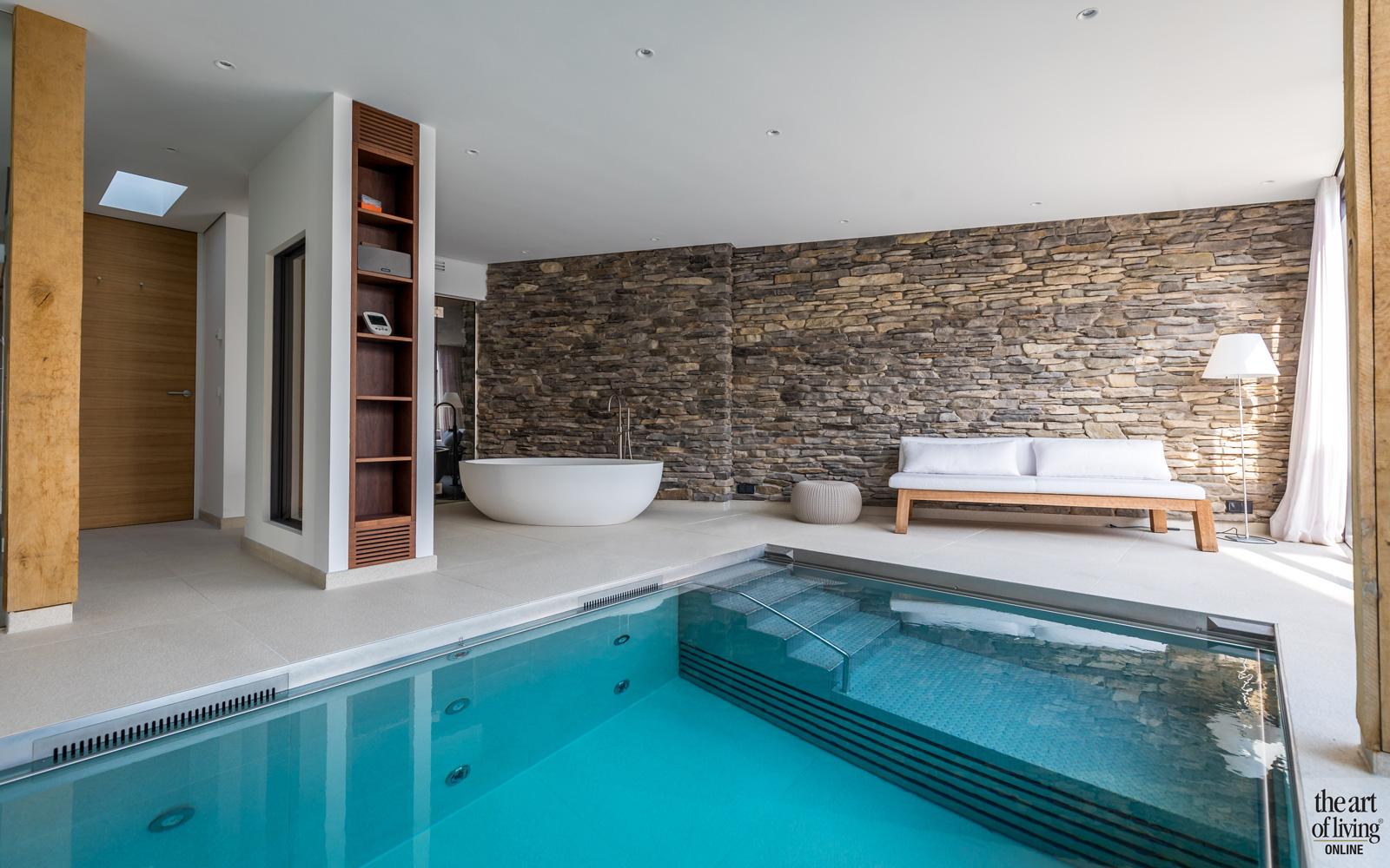 Wellnessruimte met binnenzwembad van Waterstijl