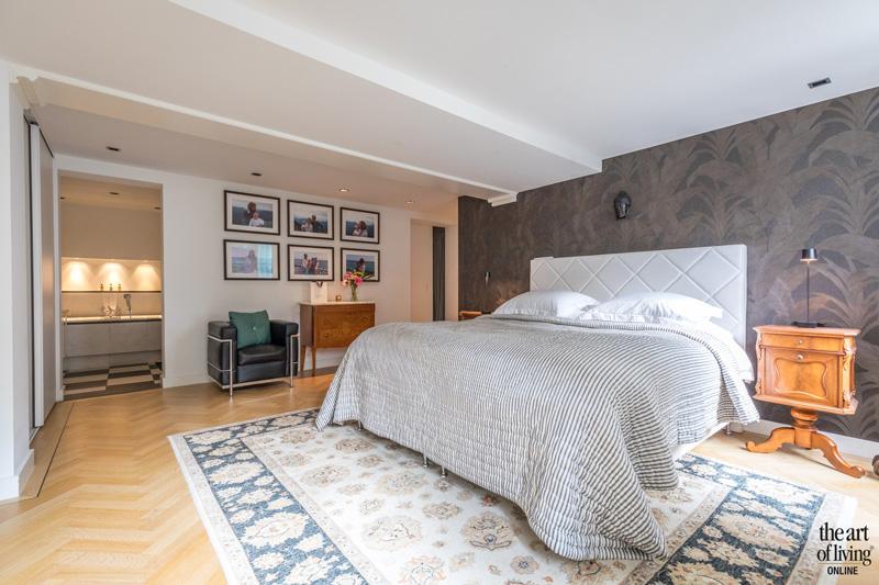 Slaapkamer, boxspring, bedroom, houten vloer