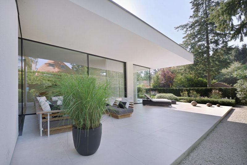 Tuin, terras, tuinmeubelen, outdoor living, Borek, moderne bungalow, Boxxis Architecten