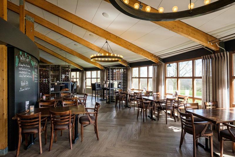 Brasserie, verlichting, Ralph Lauren, sfeervol, visgraat vloer, pvc, golfbaan, De Hooge Rotterdamsche, Versteegh Design