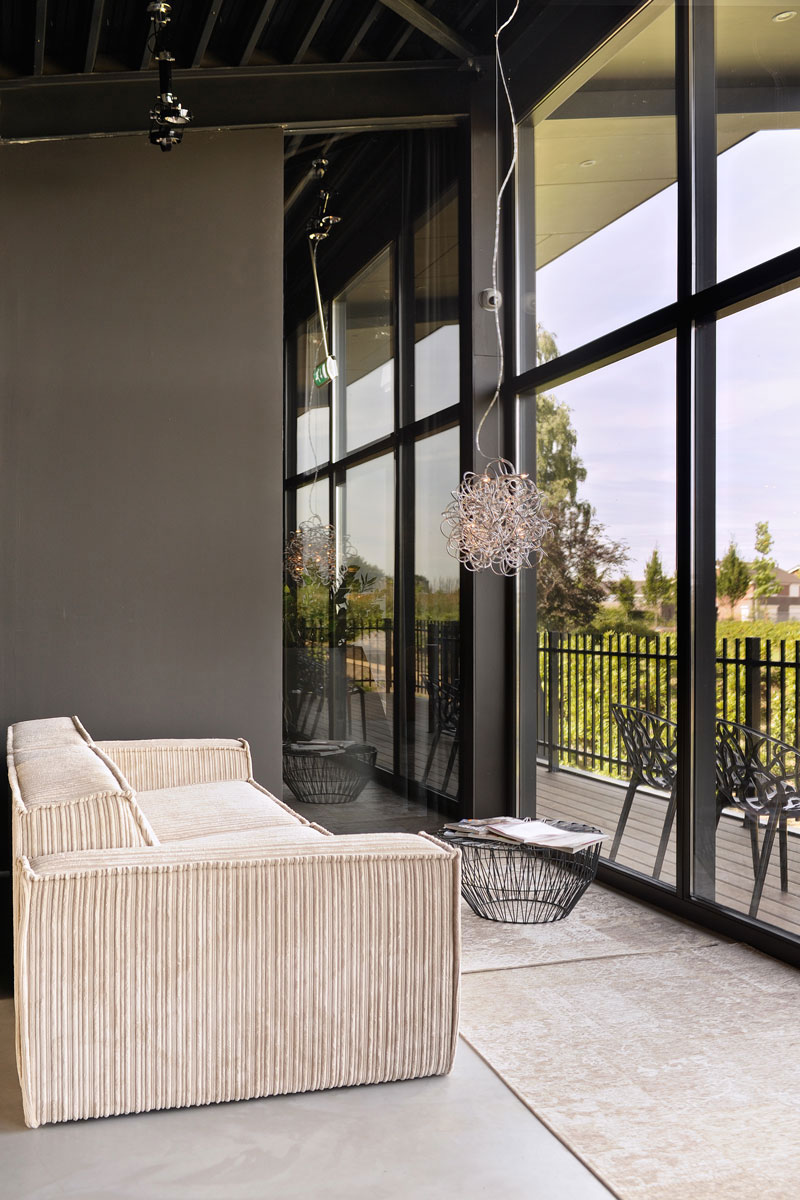 Balkon, grote ramen, ontspannen, lounge chair, La Marquise, Hertroijs Architekten
