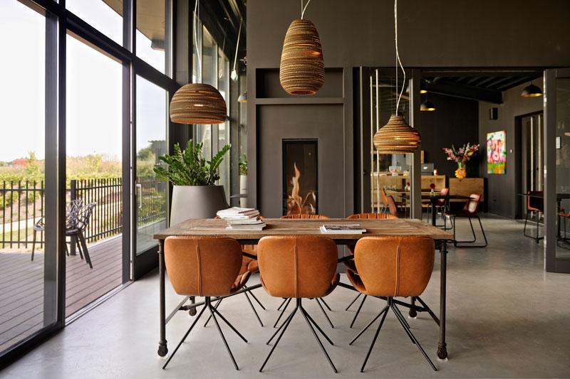 Industriele look, gevlinderd beton, vloer, haard, Object Design, La Marquise, Hertroijs Architekten