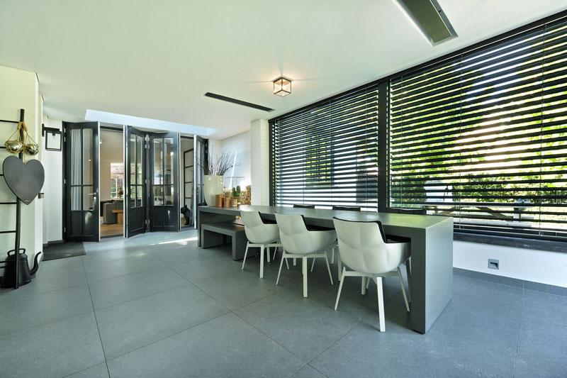 Veranda, shutters, verbinding met buiten, multifunctioneel, metamorfose, Boxxis Architecten