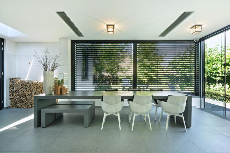 Veranda, multifunctioneel, zonwering, shutters, verbinding met buiten, metamorfose, Boxxis Architecten