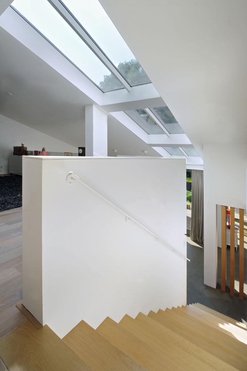 Bovenverdieping, vice, licht, grote ramen, jaren 70 woning, De Bever Architecten