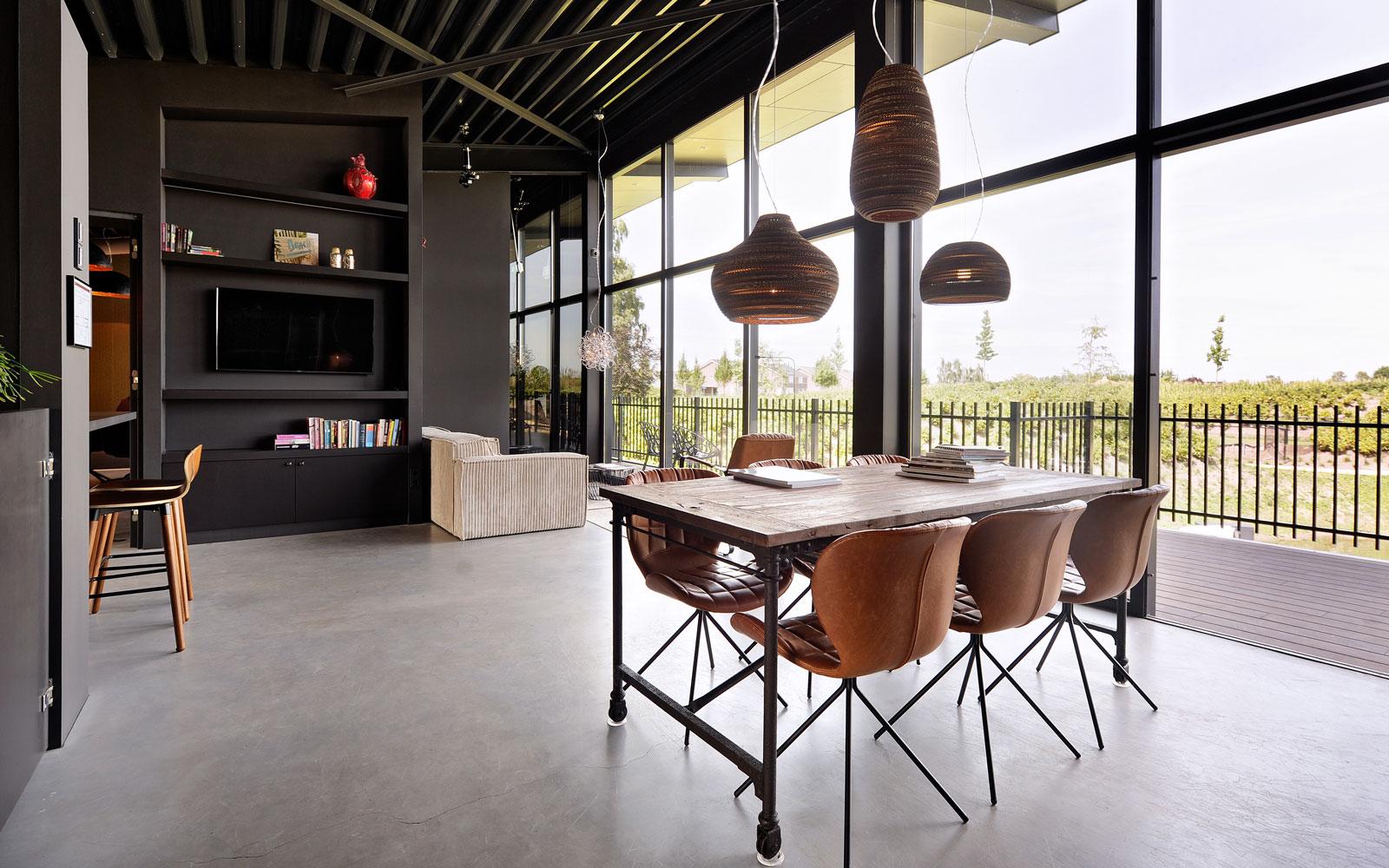 Industrieel, lounge, beton vloer, La Marquise, Hertroijs Architekten