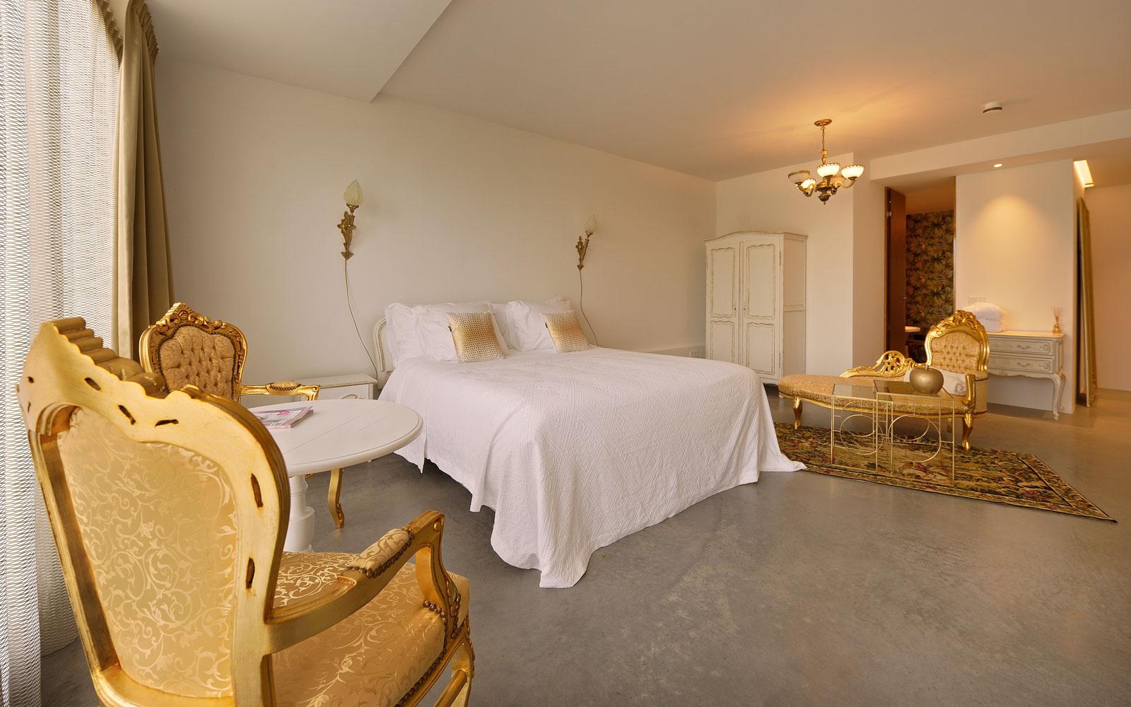 Gouden kamer, slaapkamer, hotel, goud, Auping bed, La Marquise, Hertroijs Architekten