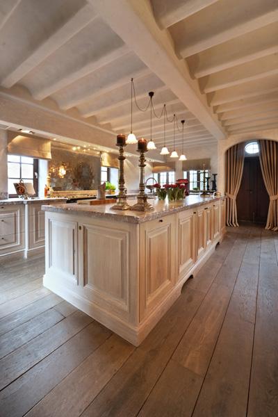 Keuken, Rond, authentieke uitstraling, roze marmer, carrara, handwerk woonhuis als showroom, Dauby