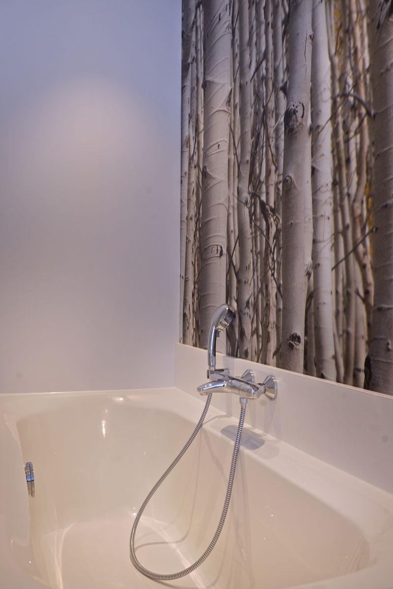 badkamer, badkuip, kraan, behang, La Marquise, Hertroijs Architekten