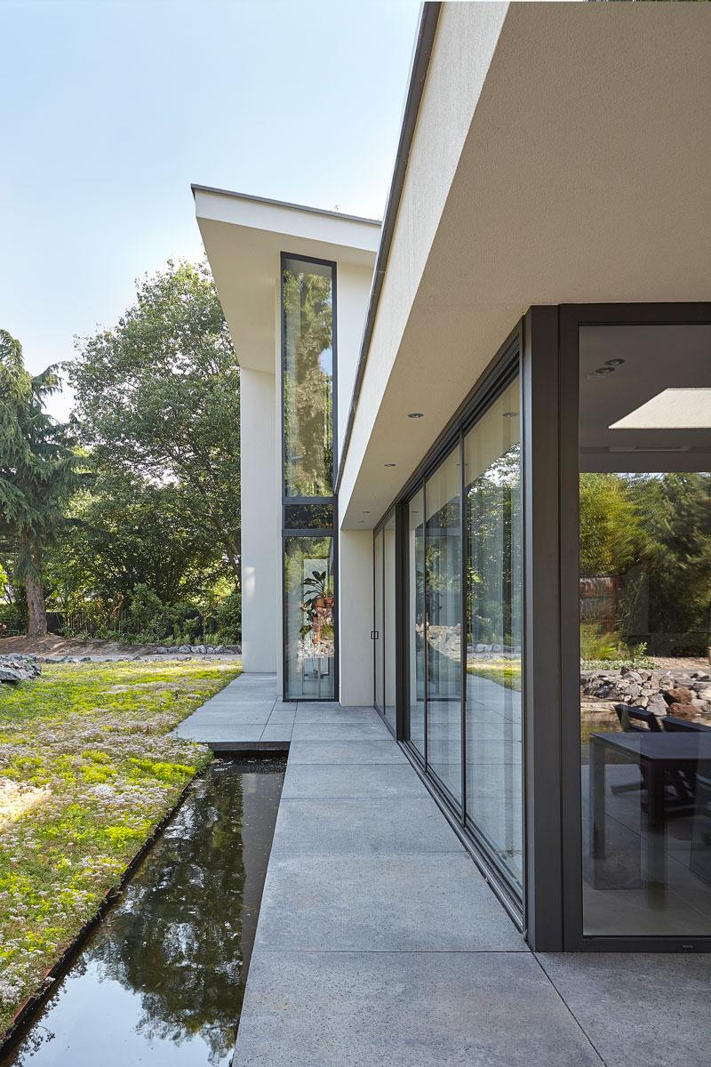 Tuin, parktuin, Van Esch Hoveniers, dakoverstek, moderne villa, Boley