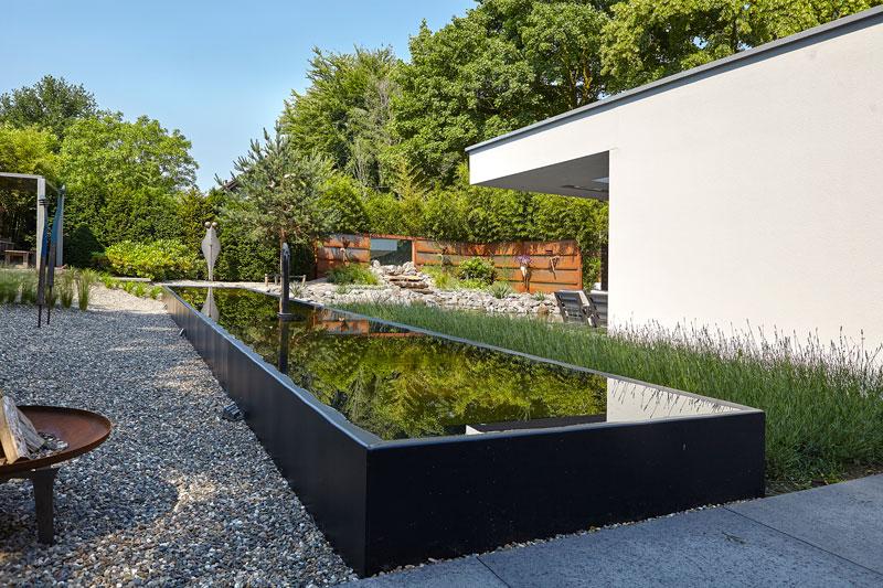 Parktuin, Van Esch Hoveniers, vijver, kleurrijk, gras, vetplanten, moderne villa, Boley