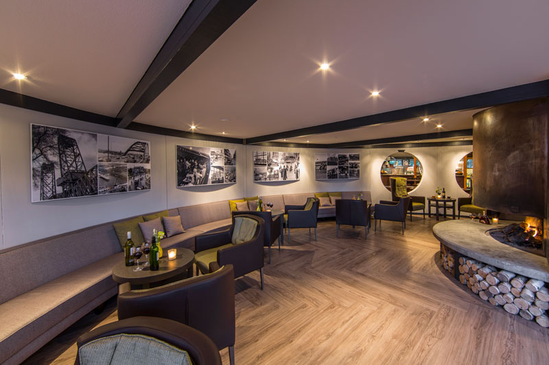 Brasserie, visgraat, pvc, sfeervol, golfbaan, De Hooge Rotterdamsche