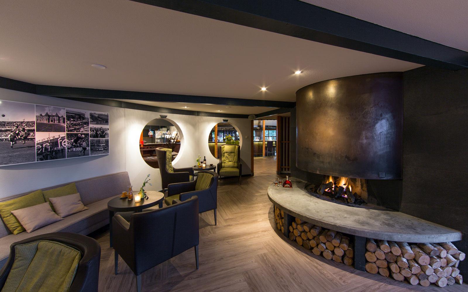 Openhaard, sfeervol, centrum, visgraat vloer, golfbaan, De Hooge Rotterdamsche, Versteegh Design