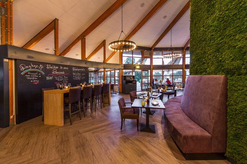 Brasserie, ronde lampen, Ralph Lauren, eco-chique, pvc vloer, golfbaan, De Hooge Rotterdamsche, Versteegh Design