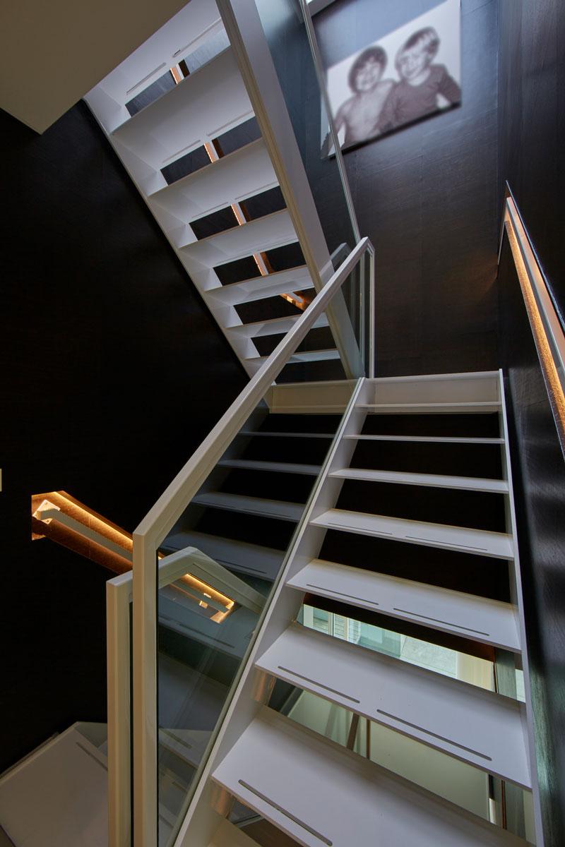 Bart van Wijk, interieurarchitect, trappen, minimalistisch, staal, trappen, trappenhuis