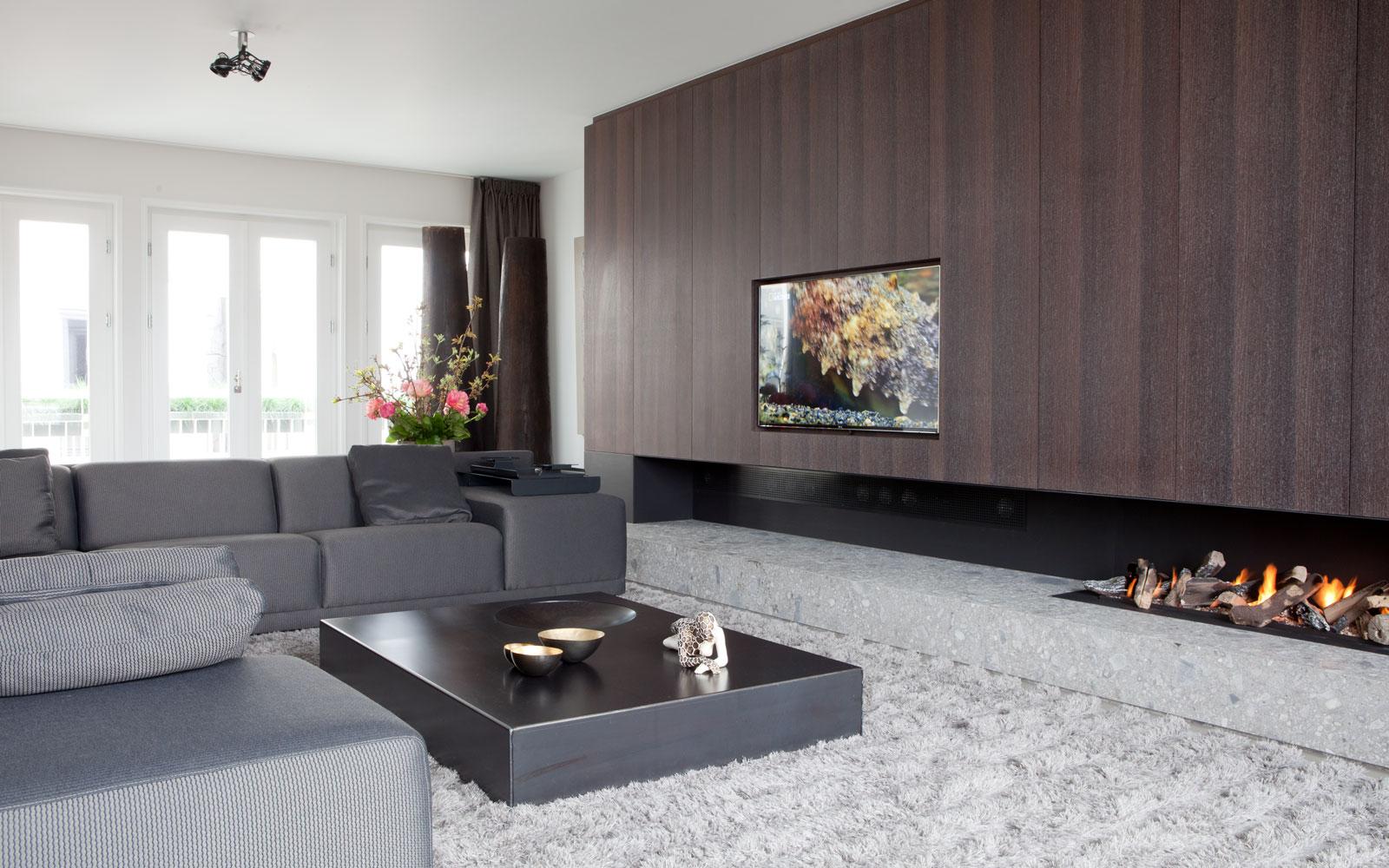 Woonkamer, open haard, Het Openhaarden Huys, maatwerk kast, televisie, penthouse, Amsterdam, Remy Meijers