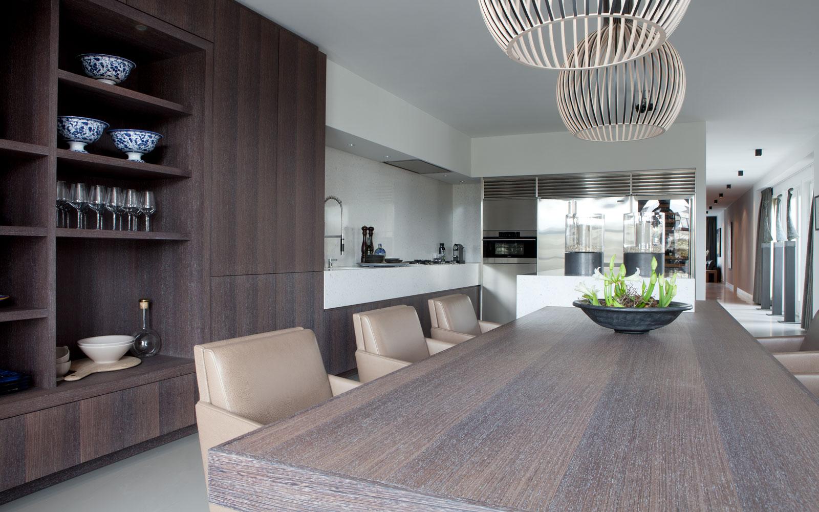 Woonkamer, keuken, maatwerk kasten, eettafel, Penthouse, Amsterdam, Remy Meijers
