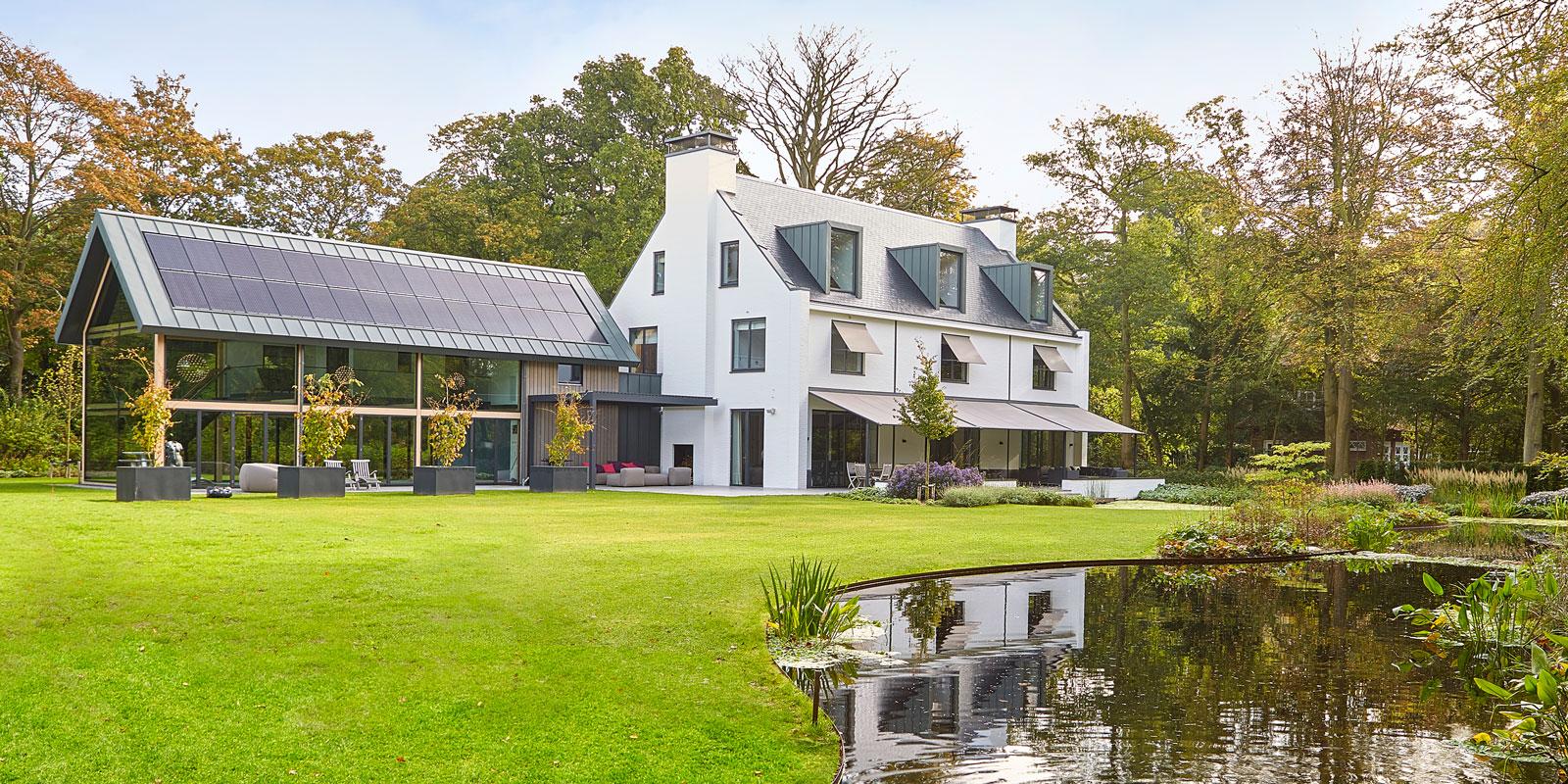 Symmetrische villa | PBV Architects