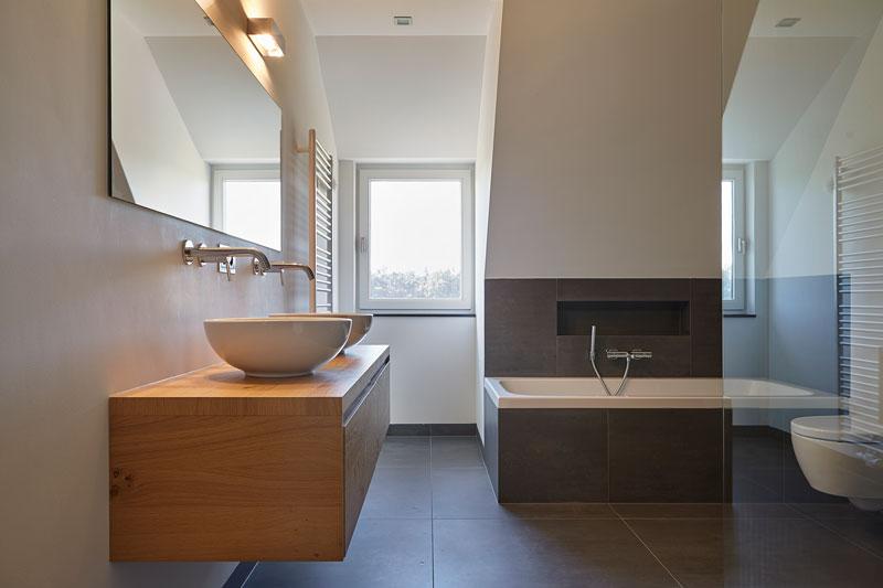 Badkamer, wastafel, bad, landelijk, industrieel, Wolfs Architecten