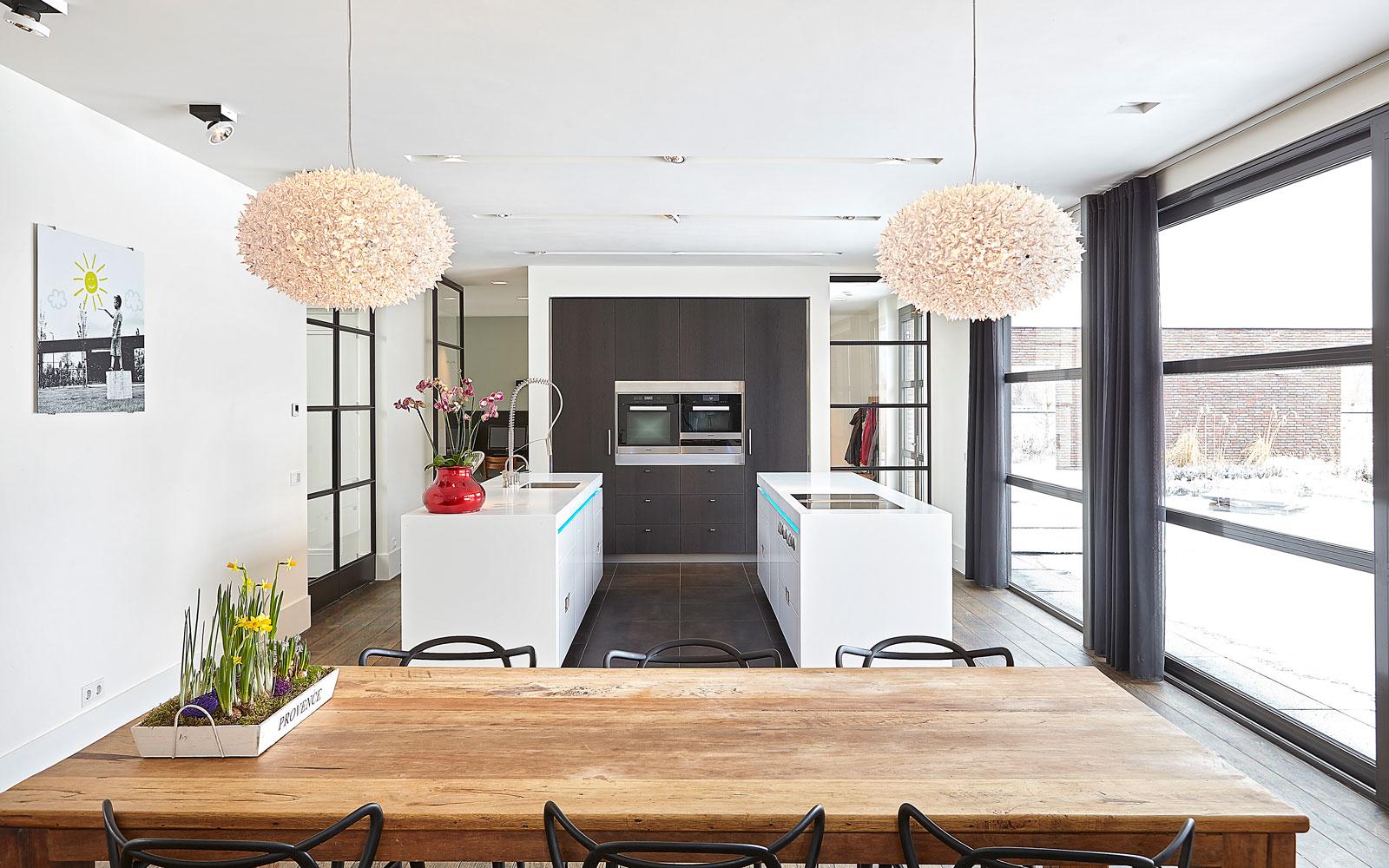 Keuken, maatwerk, Culimaat, houten tafel, eettafel, high end, droomvilla, Marco Daverveld