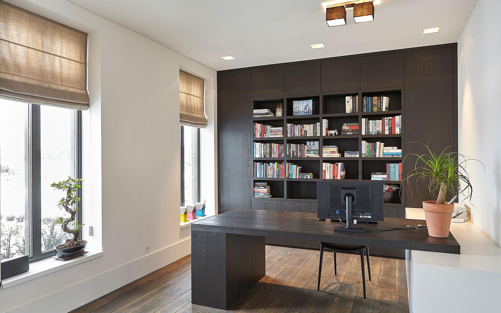 Home office, study, kantoor, boekenkast, werkplek, droomvilla, Marco Daverveld