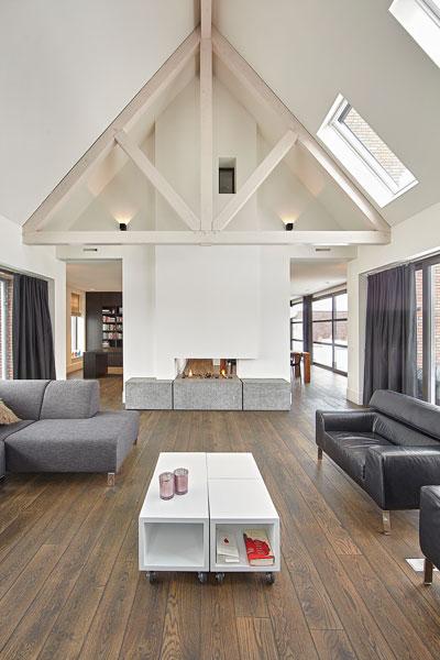 Woonkamer, houten vloer, open haard, Van Tiel Haarden, droomvilla, Marco Daverveld