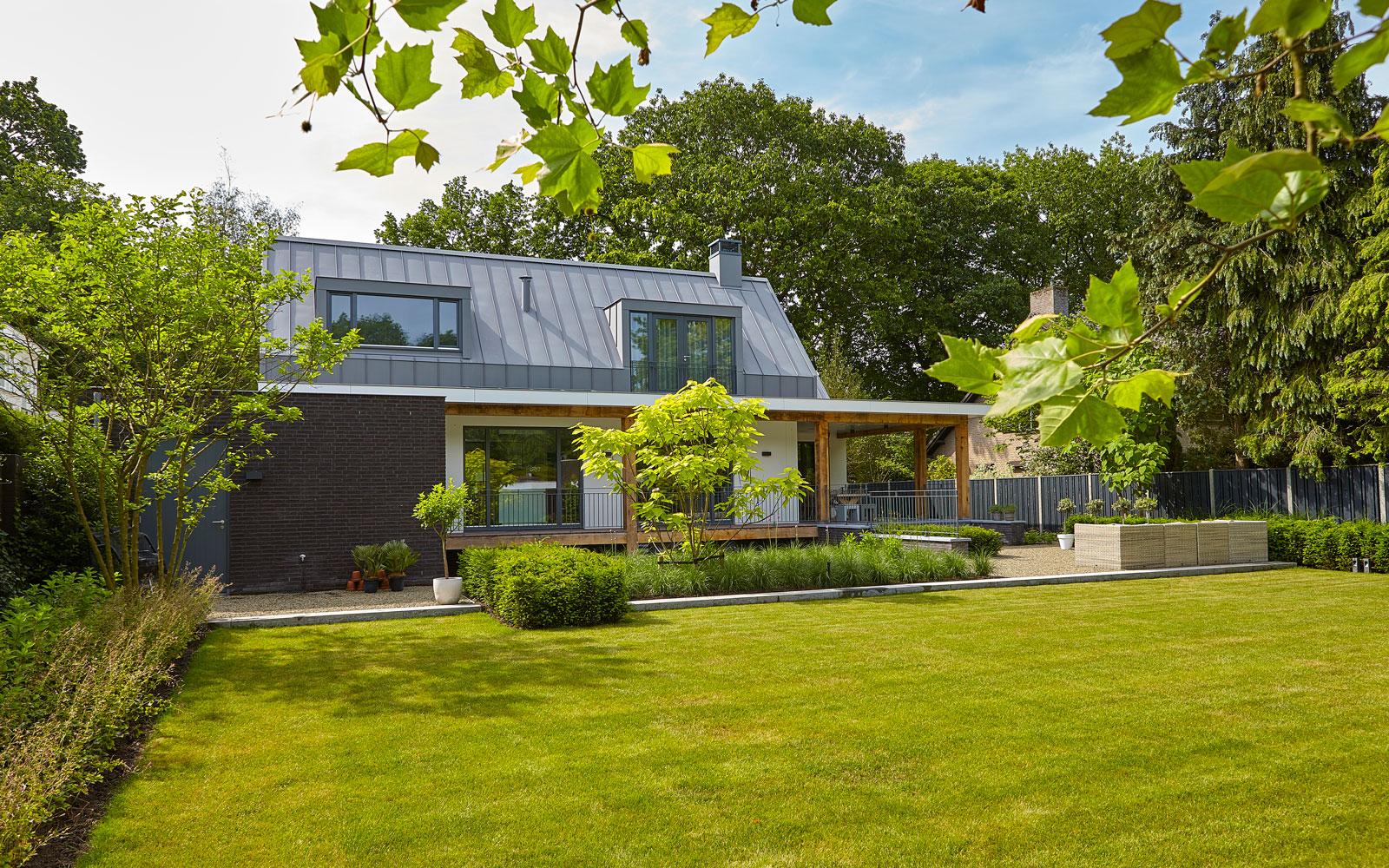 Tuin ontworpen door PuurGroen, inspirerende villa, Wolfs Architecten