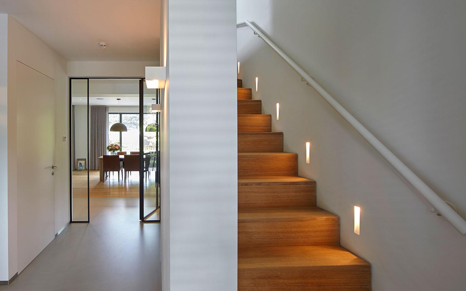 Houten trap van Origineel Chapel Parket, inspirerende villa, Wolfs Architecten