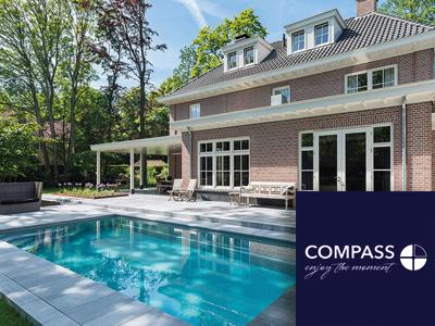 Compass Pools, zwembaden, luxe, pools, zelfreinigend zwembad, hoge kwaliteit zwembaden, levenslang genieten
