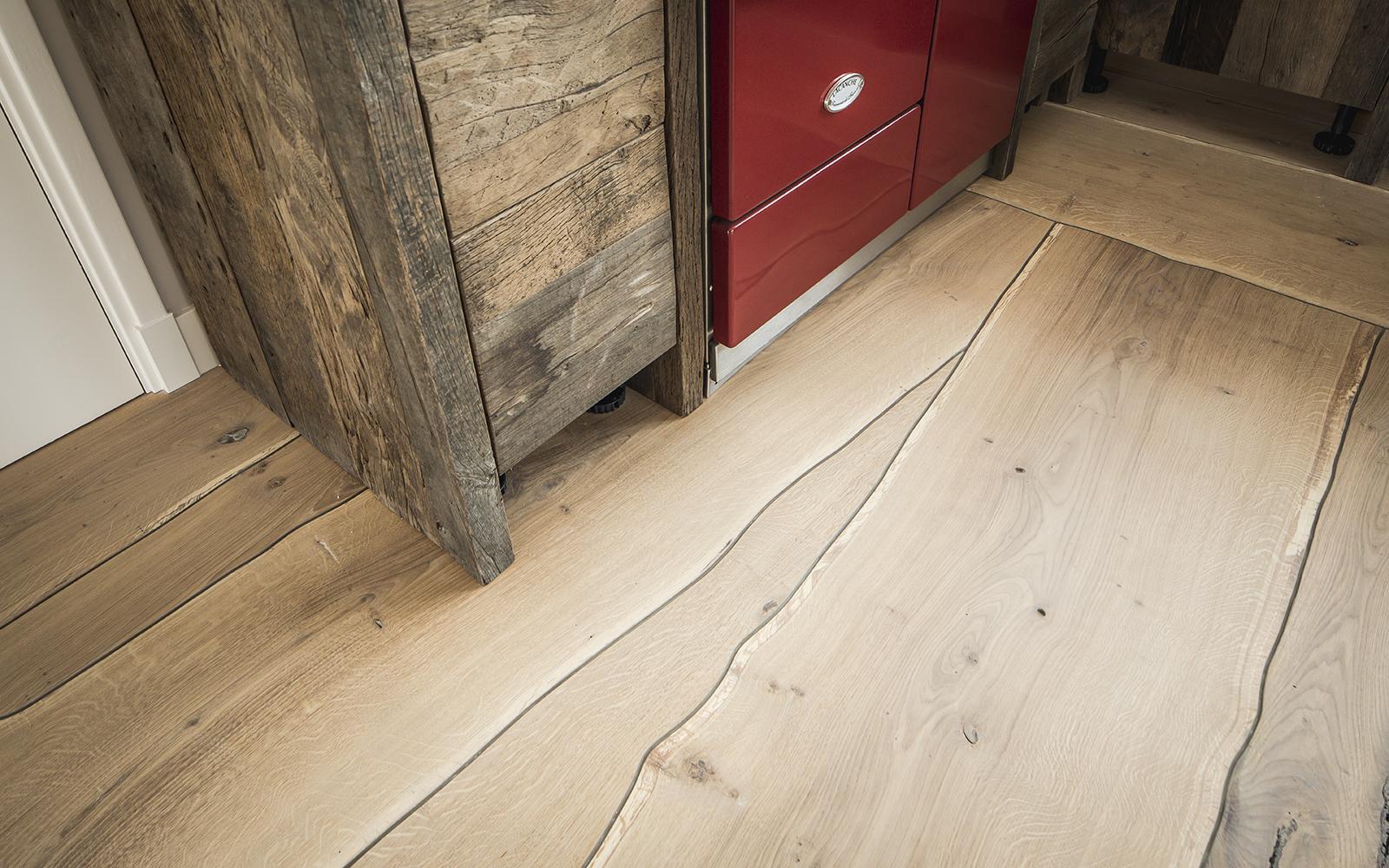De Houtsnip, Houten vloeren, Parketvloeren, boomstamvloeren, boomstamtafels, houten tafels