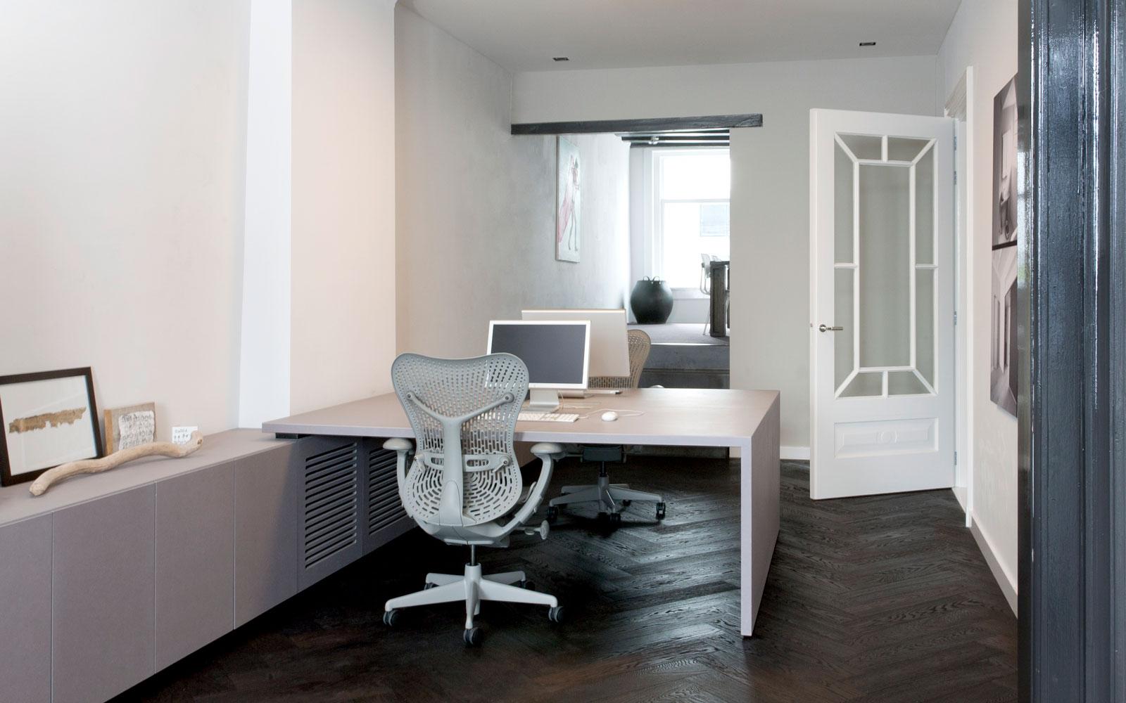 Woon- en werkplaats, kantoor, desk, officebureau | Remy Meijers