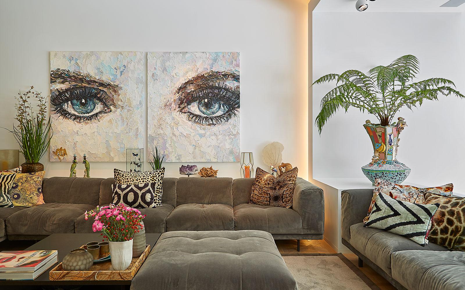Hekker Interieurbouw, Edha Interieur, woonkamer, comfortabel, kunst, grachtenpand, Bart van Wijk