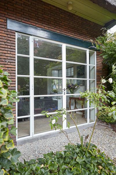 Raam, glas, veel licht, terugliggende voeg, jaren 30 villa, renovatie, Marco Daverveld