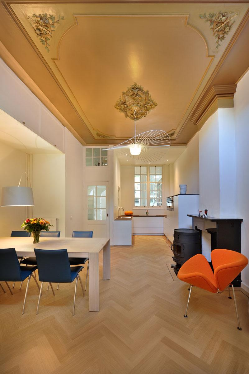 keuken eetkamer eettafel van oort interieurs herenhuis visgraat parket