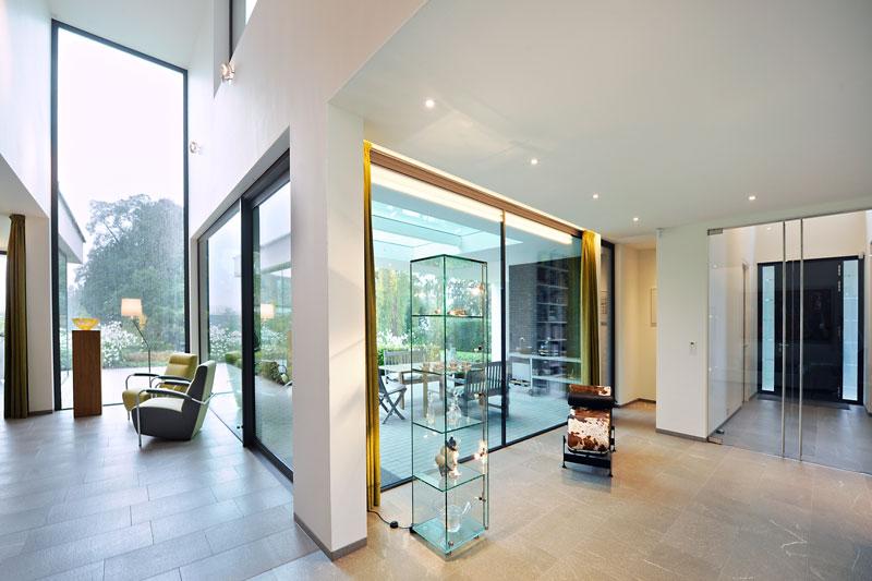 Ruimtelijk, grote ramen, daglicht, natuurlijk licht, modern landhuis, Maas Architecten