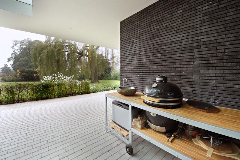 Tuin, terras, overkapping, barbecue, buitenkeuken, modern landhuis, Maas Architecten