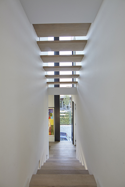 Bob Manders, Split-level villa, trap, hal