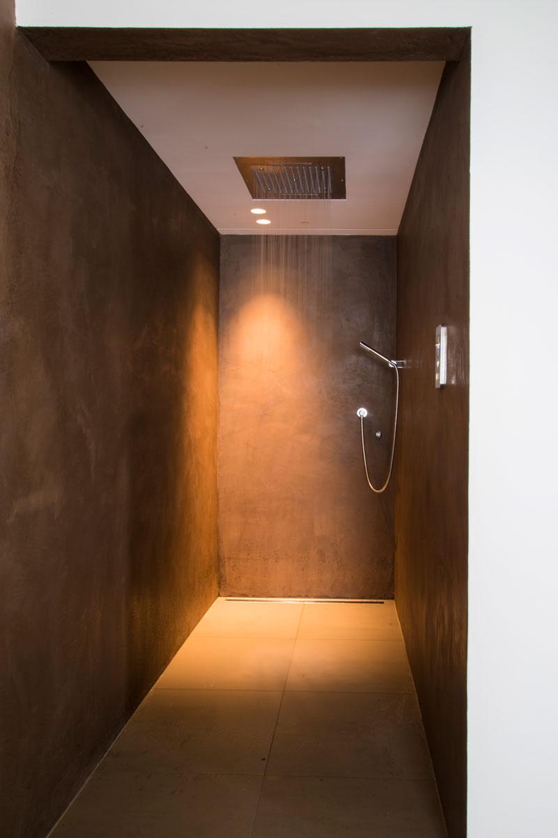 Badkamer, inloopdouche, sanitair, gietvloer, moderne uitbouw, Lautenbag Architectuur