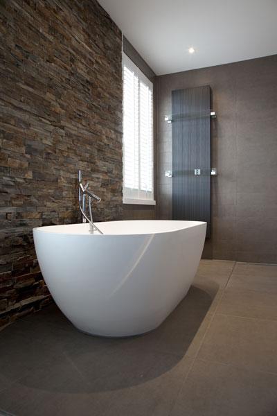 Badkamer, bad, vrijstaand bad, sanitair, verrassende renovatie, Denoldervleugels
