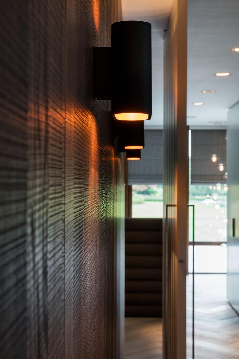 Trap, houten wand, verlichting, Kreon, Modular, sfeervol, moderne villa, François Hannes