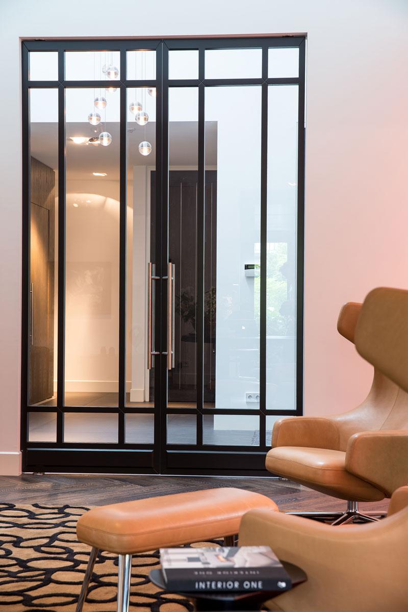 Stalen deuren, glas, woonkamer, doorkijk, klassieke villa, François Hannes