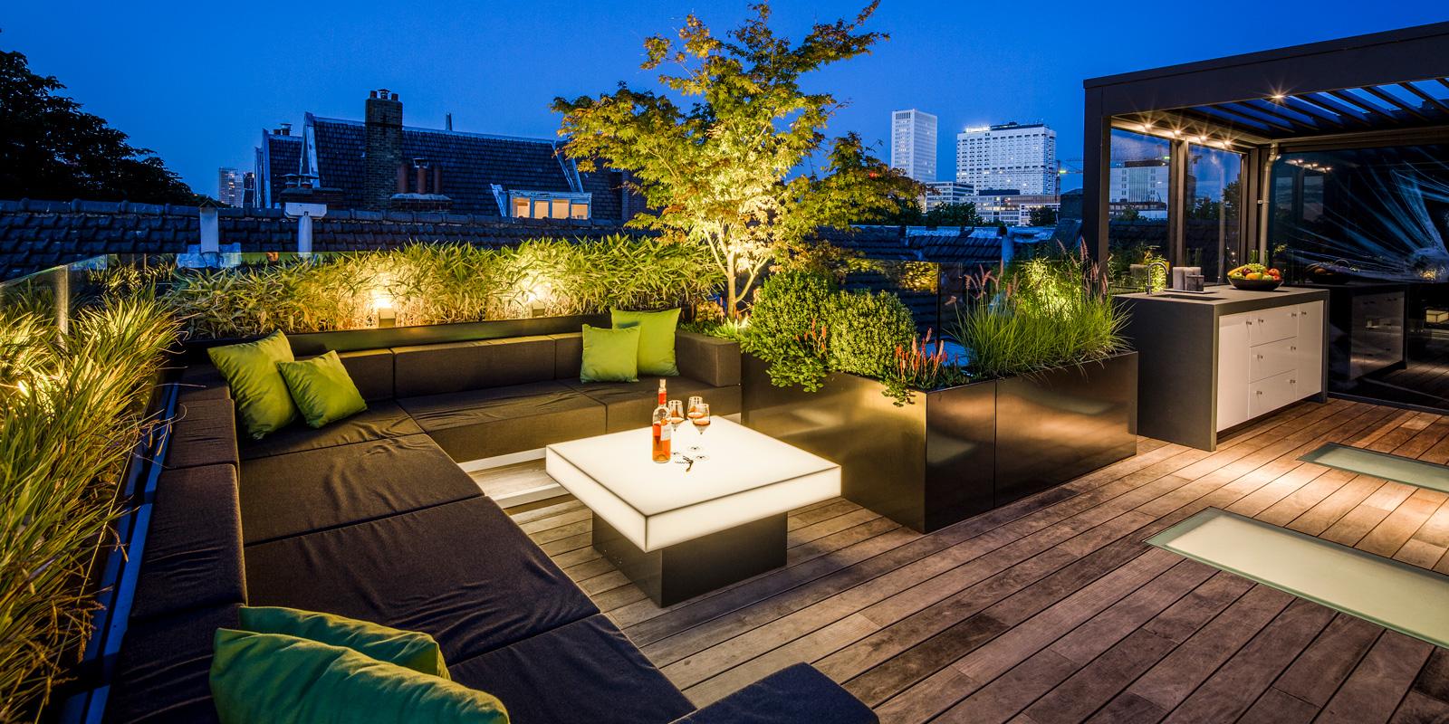 Modern dakterras, Erik van Gelder, Verlichting, Dexter Design, Teo van Horssen, houten vloer, Tablazz