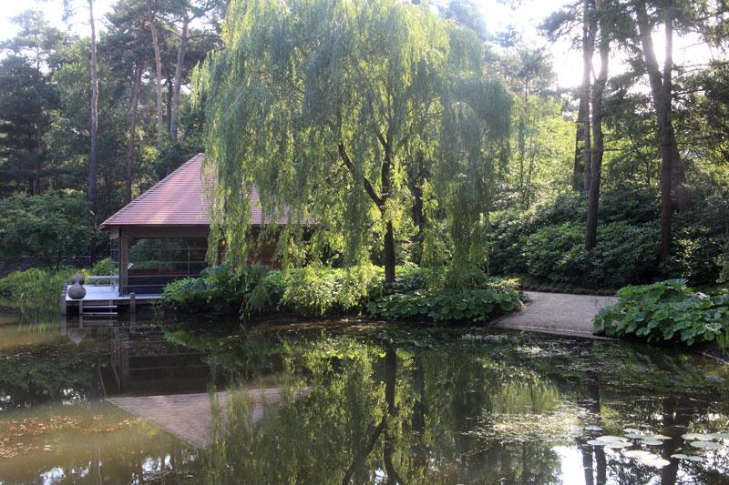 Tuin, parktuin, Fons Linders, vijver, minimalistische villa, VLCS Architecten