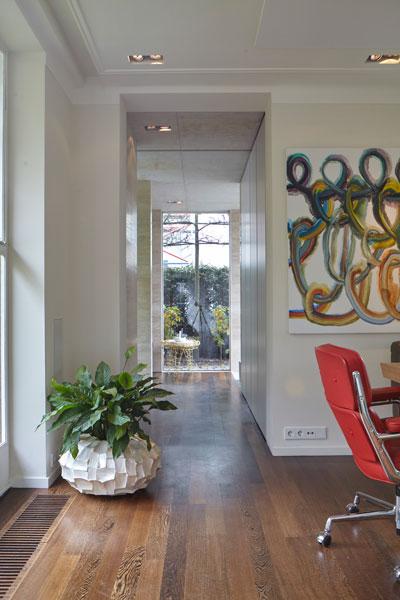 Eetkamer, schilderij, gang, houten vloer, vooroorlogse villa, De Bever Architecten