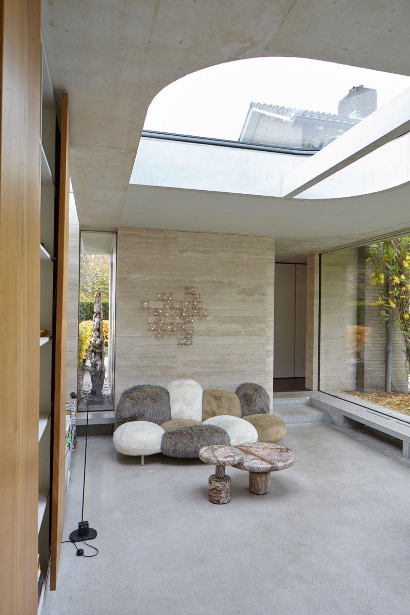 Wellnessruimte, lichtkoepel, loungebank, ontspannen, grote ramen, vooroorlogse villa, De Bever Architecten